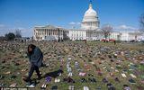 7.000 đôi giày của trẻ em Mỹ thiệt mạng vì xả súng phủ kín trước quốc hội Mỹ