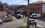 Nổ súng, bắt cóc con tin ở siêu thị tại Pháp, ít nhất 2 người chết