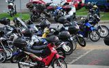 Vứt xe máy cũ để bảo vệ sức khỏe, dân Singapore được trả 2.600 USD