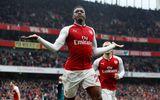 """""""Người hùng"""" Welbeck giúp Arsenal ngược dòng thành công"""