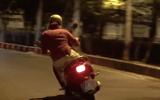 """Clip: """"Ninja Lead"""" đánh võng trên đường Sài Gòn như tay đua thứ thiệt"""