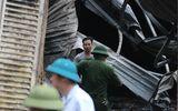 Hiện trường vụ cháy dữ dội kèm tiếng nổ cạnh chân cầu Vĩnh Tuy