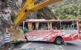 Tài xế kể lại giây phút lật xe khách trên đèo Khánh Lê