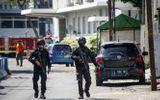 Phát hiện 54 quả bom tại nhà của kẻ cầm đầu vụ đánh bom liều chết ở Indonesia
