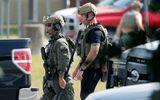 Hiện trường hỗn loạn vụ nam sinh Mỹ xả súng khiến 10 người thiệt mạng