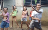 """Màn nhảy bá đạo của """"hội bạn thân Philippines"""" khiến dân mạng ôm bụng cười"""