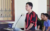 Nỗi lòng người mẹ mù trong phiên tòa xử con trai có hành vi hại người