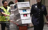 Sau 4 ngày, cảnh sát vẫn chưa đếm xong 72 vali tiền của cựu thủ tướng Malaysia