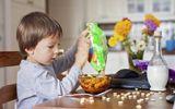 Các mẹ có con trai dưới 10 tuổi bổ sung ngay vitamin này để con không còn quậy phá
