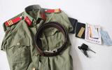 """Phát hiện """"kho"""" quân phục công an, quần áo phạm nhân giả ở Sài Gòn"""