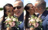 Lý Thanh Thảo diện áo dài, ngọt ngào khóa môi chồng Tây trong đám cưới tại Hà Lan