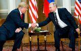 Video: Khoảnh khắc tổng Tổng thống Trump nháy mắt với Tổng thống Putin
