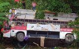 Xe khách rơi xuống vực ở Cao Bằng, ít nhất 13 người thương vong