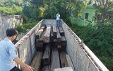 Gia Lai: CSGT bắt xe container chở hơn 40m3 gỗ lậu