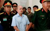 """Tuyên phạt cựu thượng tá quân đội Đinh Ngọc Hệ (Út """"trọc"""") 12 năm tù"""