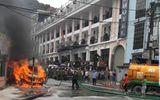 Sa Pa: Dùng xe hút bể phốt dập lửa cứu chiếc ô tô khách bốc cháy ngùn ngụt
