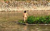Hé lộ nguyên nhân vụ cô gái trẻ cởi đồ nhảy múa giữa sông Tô Lịch