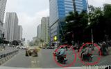 Video: Dàn cảnh cướp không thành, kẻ gian thẳng tay tát cô gái giữa ngã tư ở Hà Nội