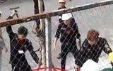 Clip 2 công nhân ở TP.HCM bị bảo vệ công trường đánh hội đồng dã man gây phẫn nộ