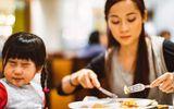 Bé 3 tuổi biếng ăn, mẹ hãy làm ngay các cách sau, đảm bảo con ăn ngon!