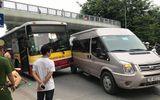 Hà Nội: Xe buýt va chạm với ôtô khách tại chân cầu vượt, giao thông ùn tắc