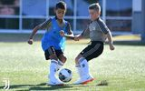 """Nối nghiệp cha"", con trai Ronaldo gia nhập đội tuyển U9 Juventus"