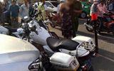 """Cảnh sát truy bắt cô gái đang """"phê"""" lái Mercedes lạng lách trên đường phố Đà Nẵng"""