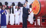 Chủ tịch nước Trần Đại Quang đánh trống khai giảng năm học mới