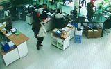 Bắt 2 nghi phạm nổ súng cướp ngân hàng, thu giữ hơn 3 tỷ đồng