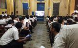 Vụ Vinasun kiện Grab: Tiếp tục hoãn phiên tòa sau 7 tháng tạm dừng