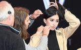 Hoa hậu Tiểu Vy tự tin xuất hiện tại buổi tổng duyệt sự kiện quốc tế