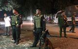 """Vụ vây bắt đối tượng ôm hàng """"nóng"""" cố thủ trong nhà: Lý do lực lượng công an không nổ súng"""