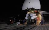 """Video: Cận cảnh Nga chuyển """"rồng lửa"""" S-300 tới Syria trong đêm"""