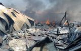 Xưởng sản xuất ghế mây bốc cháy dữ dội giữa trưa
