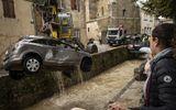 Lũ quét tồi tệ nhất trong hơn 100 năm tại Pháp, ít nhất 13 người thiệt mạng