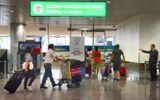 Phạt 2 hành khách mang theo 200 triệu đồng khi xuất cảnh nhưng không khai báo