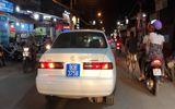 Án phạt cho tài xế lái xe biển xanh bật đèn ưu tiên, hú còi inh ỏi trên đường