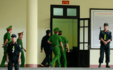 Xử vụ đánh bạc nghìn tỉ: Ông Nguyễn Thanh Hóa cũng rời tòa vì tăng huyết áp