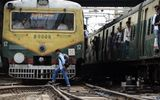 Lo thất nghiệp và áp lực thi cử, 4 thanh niên Ấn Độ lao đầu vào xe lửa tự tử