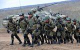 Ukraine cáo buộc hơn 80.000 binh sĩ Nga áp sát biên giới sau vụ bắt tàu trên Biển Đen