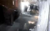"""Video: Nhà giám đốc ở Thanh Hóa bị ném """"bom xăng"""" lúc rạng sáng"""