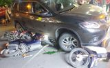 """Tài xế ôtô """"điên"""" lấy áo che biển số xe sau khi đâm hàng loạt xe máy"""