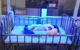 Bé gái sơ sinh bị bỏ rơi cùng 1 triệu đồng