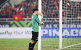 Video: Khoảnh khắc Văn Lâm ôm cột gôn khóc một mình sau trận đấu
