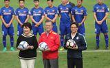 Tổng thống Hàn Quốc chúc mừng đội tuyển bóng đá VN và HLV Park bằng tiếng Việt