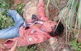 Bác nông dân quật ngã tên cướp đang lao xe về phía mình
