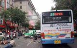 Video: Cướp xe buýt, đâm vào đám đông khiến nhiều người chết ở Trung Quốc