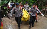 Sóng thần Indonesia: Bàng hoàng trước con số thương vong lên tới hơn 1.800 người