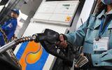 Lần đầu tiên giá xăng dầu giảm mạnh đúng đêm giao thừa đón năm mới 2019