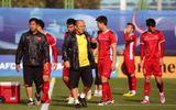"""HLV Park Hang Seo """"lên dây cót"""" tinh thần cầu thủ, chuẩn bị cho trận quyết định với Yemen"""